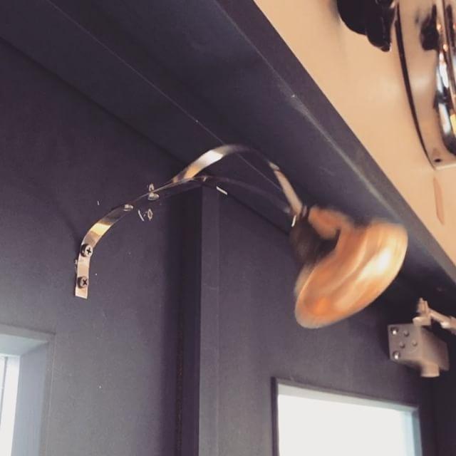 オープンして一年チョイ遂に.........入口のドアにチリンチリンが着きました付け方があってるかわかりませんが良しとします️filamentオープンしとります️️️️️#filament #十勝のビンテージ雑貨屋 #vintageshop #vintage #ドアにチリンチリン